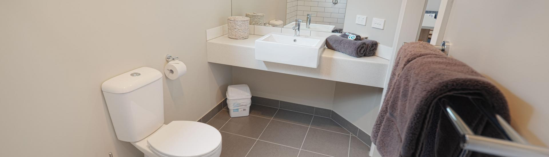 beach breeze villa bathroom